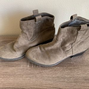 Mossimo ankle boots size 7.5